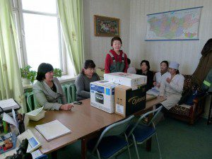 2011-nariinteel-soum-uvurkhangai-aimag-presentinglaptop-printer-and-projector-to-the-soum-hospital-doctors-300x225