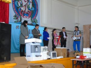 contribution-of-medical-equipment-to-baatsagaan-soum-of-bayankhongor-aimag